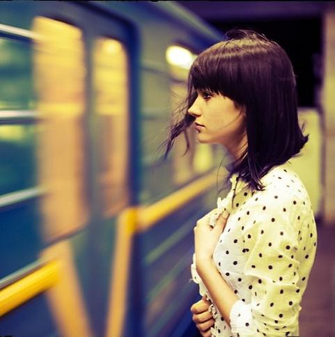 beautifull-beauty-female-girl-hair-subway-Favim.com-50152